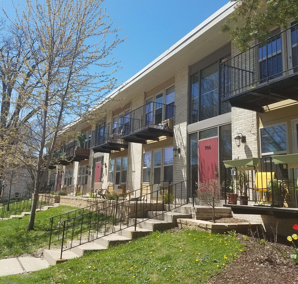 Apartments In Downtown: Apartments For Rent - 204 N. Pinckney Street