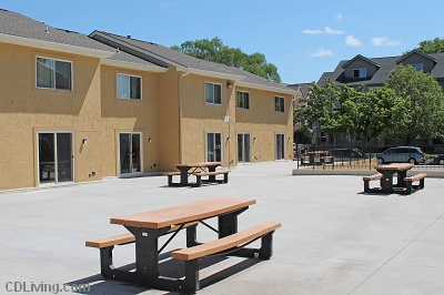 Brooks Towne Townhomes: On College Court - Huge Resident Courtyard