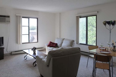 Diplomat Apartments: On Lake Monona - 1 Bedroom Corner