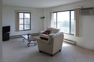 Diplomat Apartments: On Lake Monona - 1 Bedroom Interior