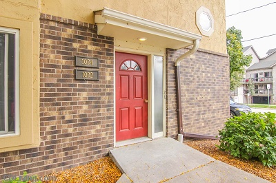 Brooks Towne Townhomes: On College Court