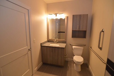 Oakland on Monroe - The Jefferson - 1 Bedroom / 1 Bath